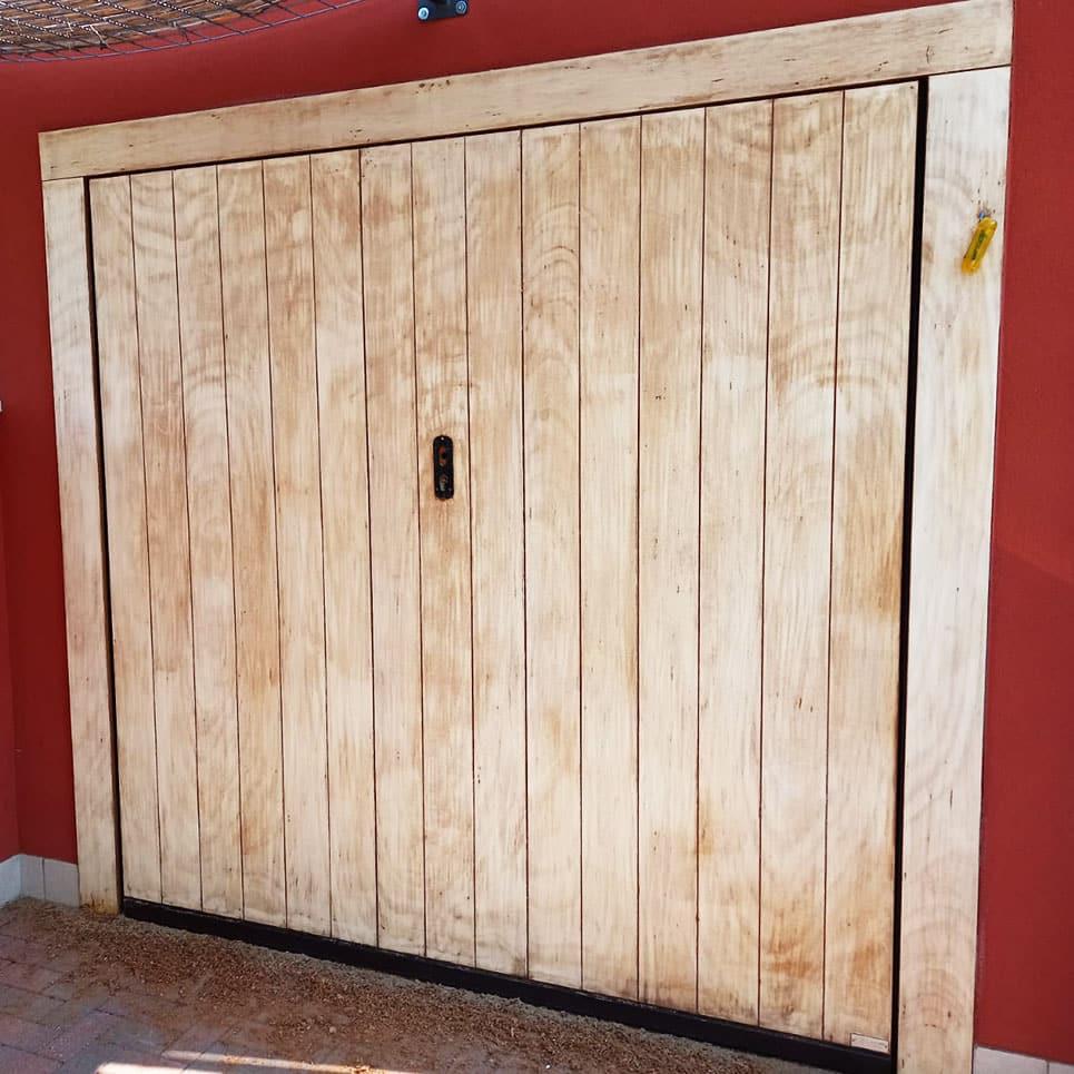 Portone garage in legno prima